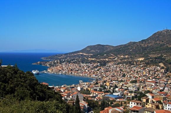 View of Vathy, Capital of Samos by Pe-sa (Creative Commons)