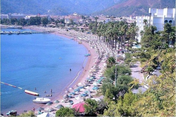 Icmeler Marmaris Beach, Turkey by Mr. M. Canbalaban (Creative Commons)